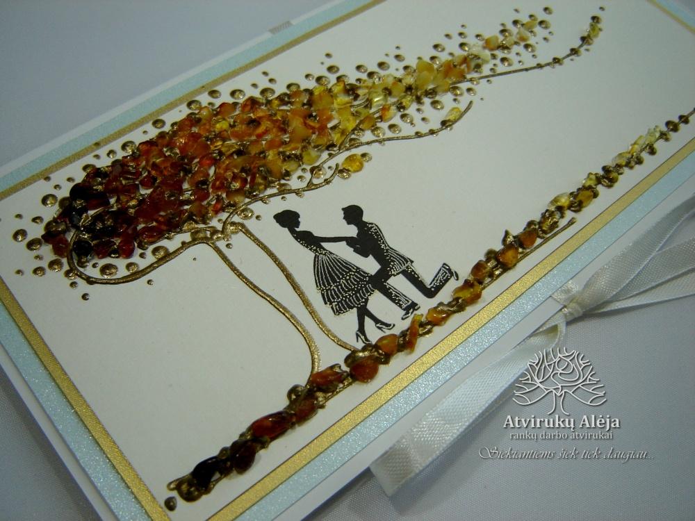 """""""Romantika"""" - 04 rankų darbo atvirukas su natūraliu gintaru"""