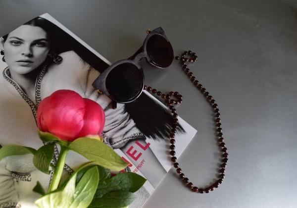 Raudonojo Afrikos medžio vėrinys-akinių laikiklis
