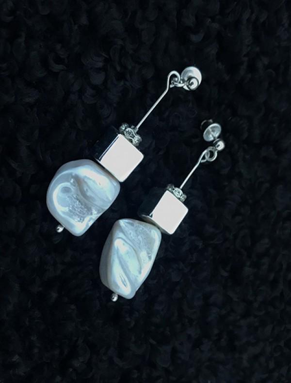 """Sidabro ir perlų auskarai """"kvadratai"""""""