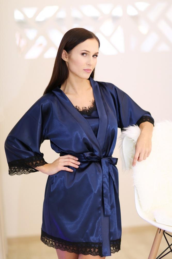 Chalatas su prabangiais juodais nėrinukais – karališka mėlyna spalva