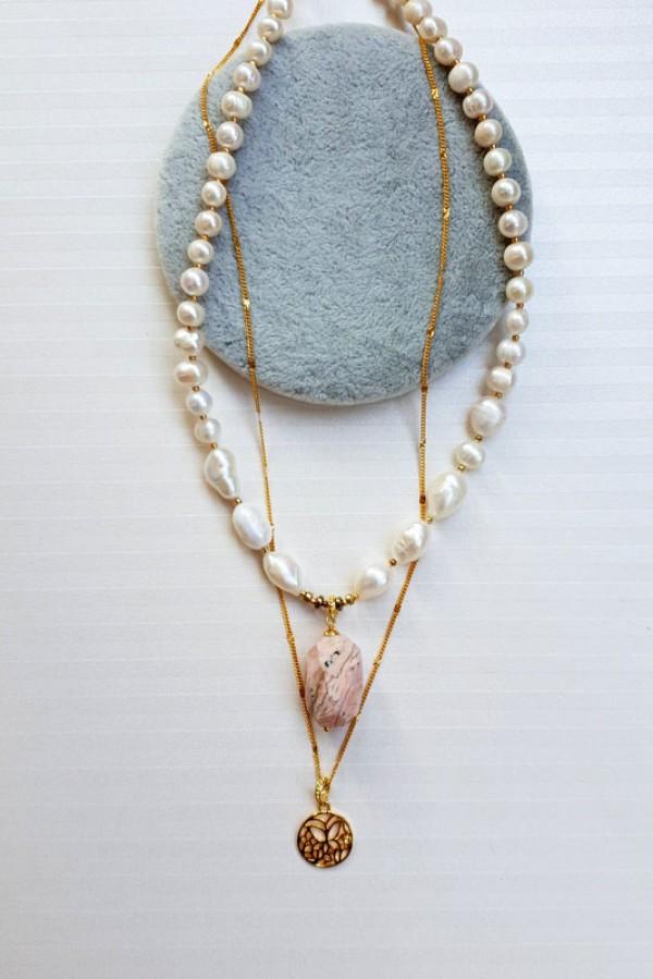 Perlų vėrinys su pakabuku